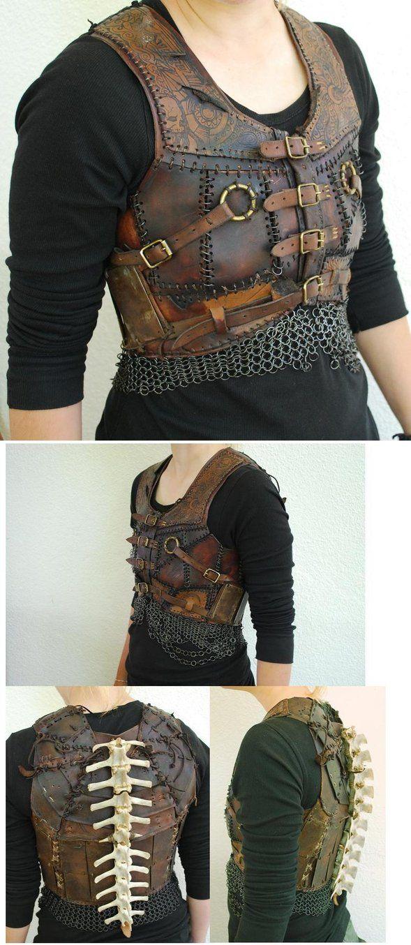 Leather thing by ~o0-Pangea-0o on deviantART Hadde vært tøffere med en litt annen plassering av ryggraden. Det tøffeste er lærarbeidet og brynjedelene