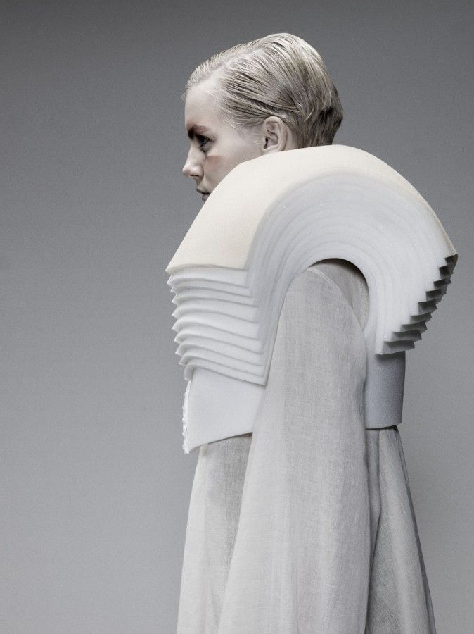 Sculptural Shoulders detail - fashion architecture, three-dimensional fashion design