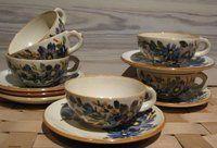 KUPITTAAN SAVI, teekuppi ja asetti, käsinmaalattu koristelu