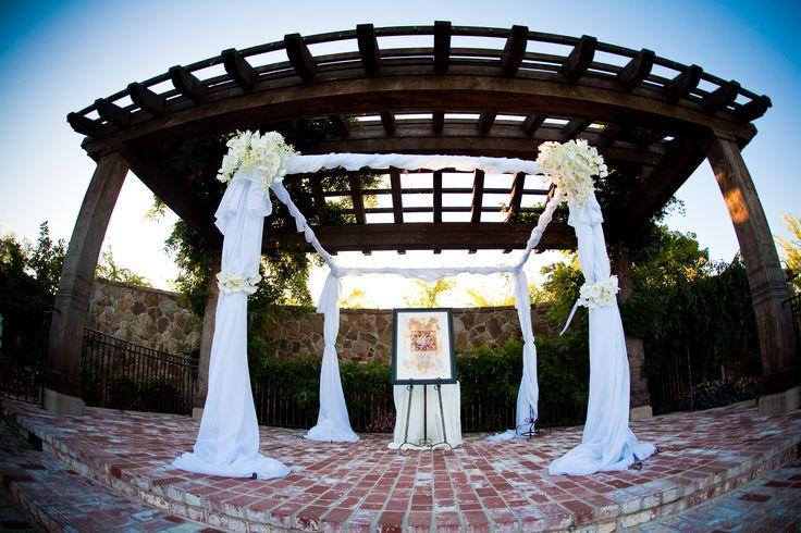Ceremonia, Flores y decoración, blanco, Ceremonia de Flores, flores, orquídeas, Chuppah, Jupá, La orquídea azul, raíces de la vendimia