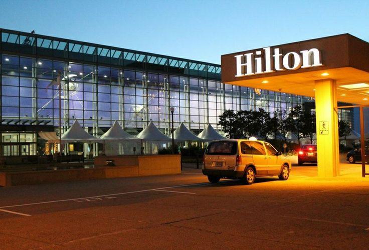 It doesn't get closer to the convention centre! - On ne pourrait pas être plus près du Centre des congrès! #HiltonQuebec