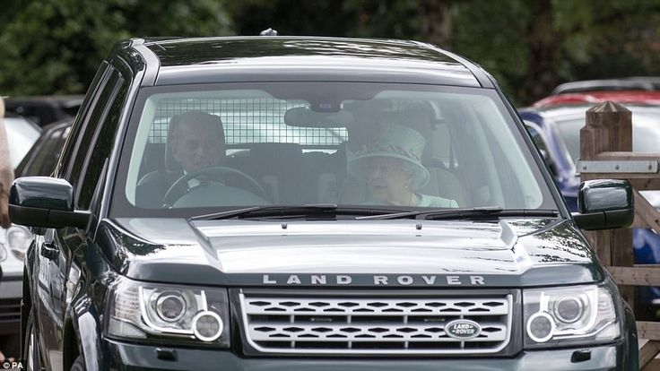 The royal couple could be seen chatting among themselves as they arrived at the event to w...