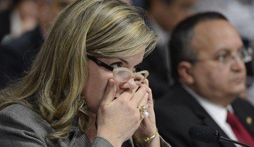 """""""Amante"""" nervosinha: Gleisi Hoffmann culpa a lava jato e ataca João Doria"""