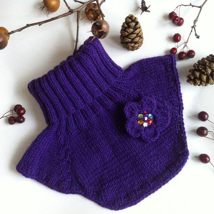 Манишка,очень удобный и практичный аксессуар детям ,которые еще не умеют завязывать шарф.#наличие_ам#вналичии#манишка#вязанаяманишка#вязаныйаксессуар#