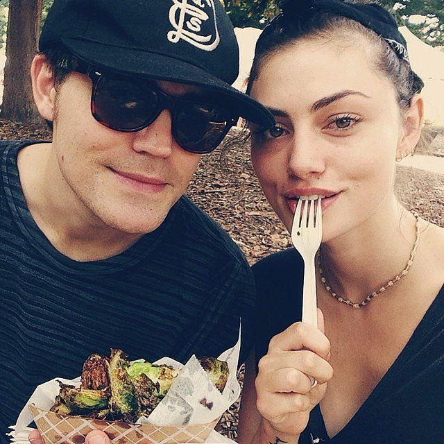 When They Shared Food at the Farmers Market - Paul Wesley and Phoebe Tonkin