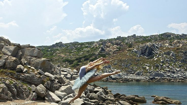 Dancing into the stones by BarDaAngelo  on 500px