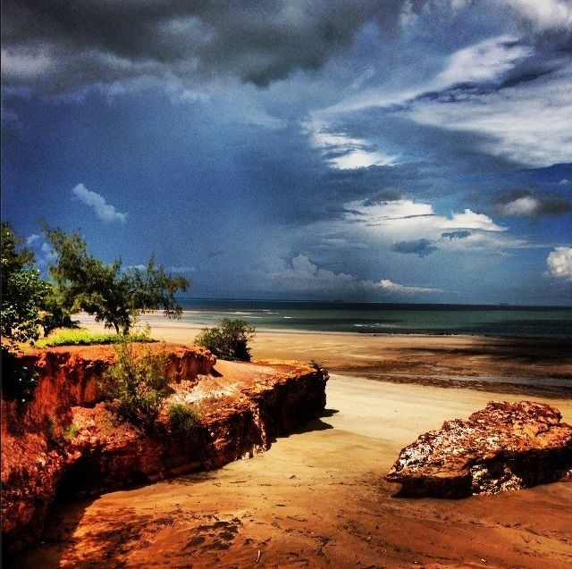 The wet season is a great time of year to watch the clouds roll into Darwin Harbour with some amazing lightning displays. This tropical stunner was captured by @Sarah Chintomby Chintomby Chintomby (instagram) in the Top End of #NTAustralia