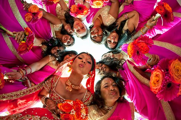 adorable pic of the bride, MOB, and her bridesmaids!