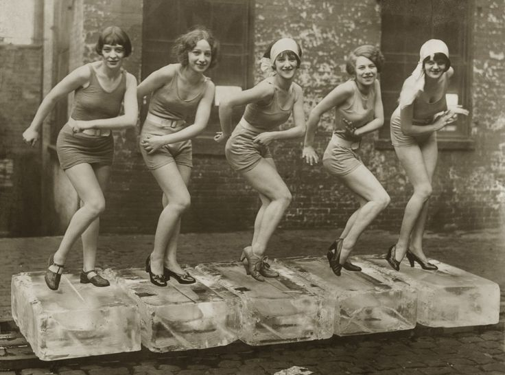 Charleston on ice. 1926: The Women, 1920, Female Dancers, Jazz Age, Flappers Girls, Dancers Performing, Roaring 20S, Families Photo, Bath Beautiful