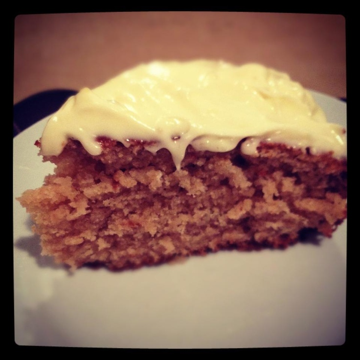 Just whipped up a delicious Feijoa cake with Lemon cream cheese icing!! mmm mmm