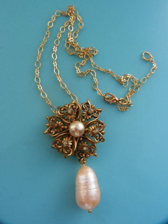 Charming 50s necklace with elaborated golden by RAKcreations