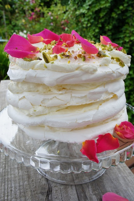 Gorgeous Meringue Cake