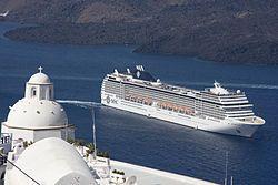 MSC Musica. Ιδιοκτησία & Διαχείριση: MSC Cruises. Σε υπηρεσία από το 2006. 92.409GT ~ 293,83 μ.μ. ~ 32,31 μ.πλάτος ~ 13 κατ/τα ~ 23knots ~ 2.550 επ. ~ 987 α.πλ.