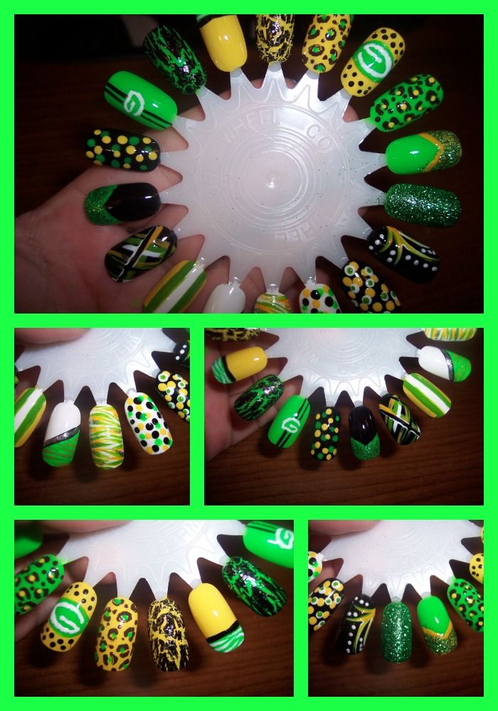 Green Bay Packer Nail (No..I am not a fan, someone asked for some painted...Go Vikings :D )