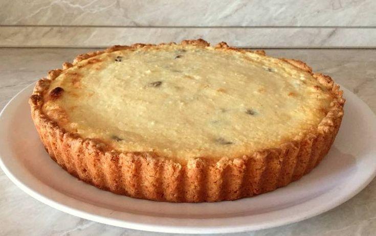 Túrókrémes vajas pite - Ismét egy nagyon egyszerű, de annál finomabb édesség. Gyümölcsöntettel vagy akár lekvárral is kínálhatjuk.