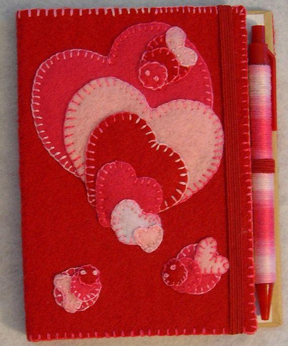 Lovebugs e corações bordados sentiu diário pessoal coberto