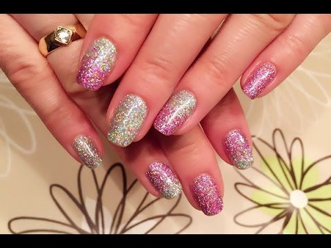 Påfør løs glitter med Gel Polish  #wickyhannah #glittergelpolish #purpleglitter #holographicglitter