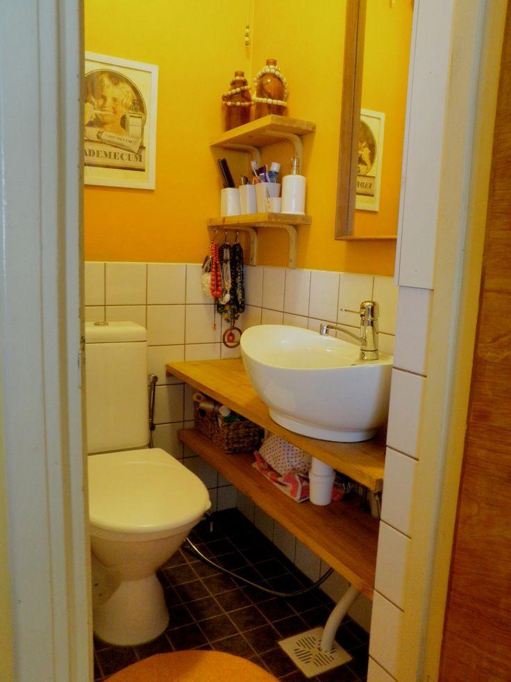 Koivurinne: Pieni RT-talon wc (http://koivurinne55.blogspot.fi/2011/03/kamalista-kamalin.html)