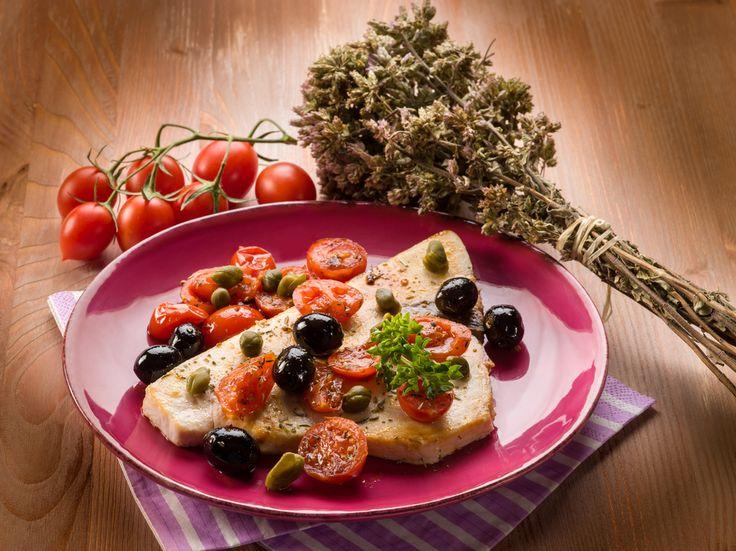 10 sfiziose idee per cucinare il pesce spada in padella: porta in tavola ogni giorno un secondo piatto di mare diverso, esaltando al meglio questo pesce.