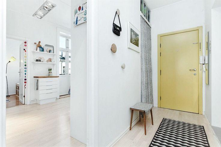 #Grünerløkka #Oslo #Scandinavian #hallway #kitchen #yellow