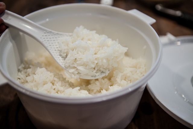 How to microwave perfect rice (using raw rice!).  Perfect for the Pampered Chef Rice Cooker :)