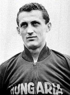 Florian Albert (Hungría) uno de los máximos goleadores del Mundial 1962 con 4 goles.
