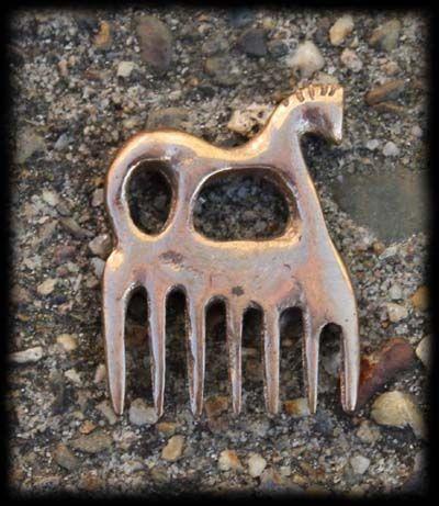 Celtic comb