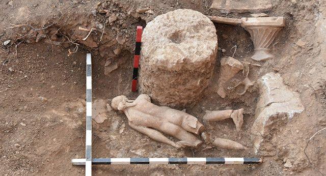 Πυρφόρος Έλλην: Ανακαλύφθηκε άγαλμα του θεού Απόλλωνα στην Αντιόχε...