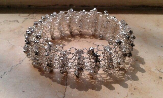 Bracciale wire crochet con cristalli