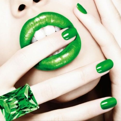 Emerald #Nails – Beauty Works London
