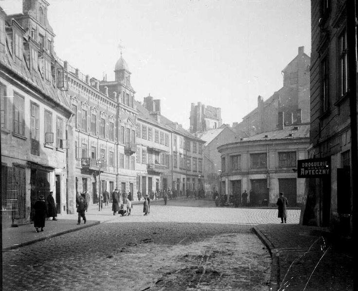 Warszawa, ul. Nowomiejska - widok w kierunku Rynku Starego Miasta (1914-1915)
