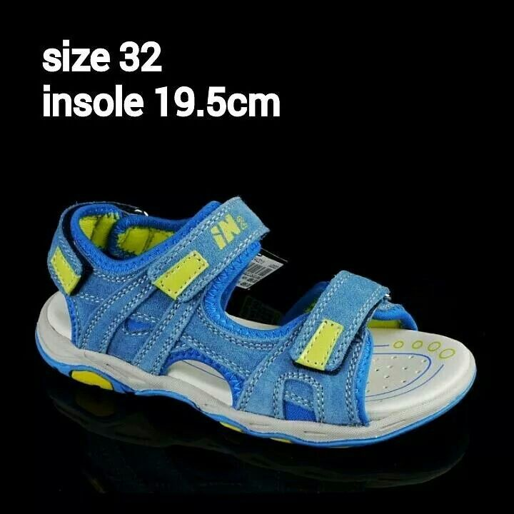 READY STOCK KIDS LEATHER SANDAL KODE : TOMMY BLUE Size 32 PRICE : Rp.225.000 AVAILABLE SIZE : - Size 32 (insole 19,5cm)  MATERIAL : Genuine Leather (Kulit Asli), Sol Empuk. Sesuai untuk anak-anak :)   FOR ORDER : SMS/Whatsapp 087777111986 PIN BB 766a6420 Facebook : Mayorishop  #pusatsepatubootsanak #sandalanak #sandalkulitanak #sandalsantai #sandalgunung #sandalnyaman #casualshoes #kulitasli #genuineleather #sisaekspor #brandedshoes #germanbrandedshoes #europeanbrand #originalbrand…