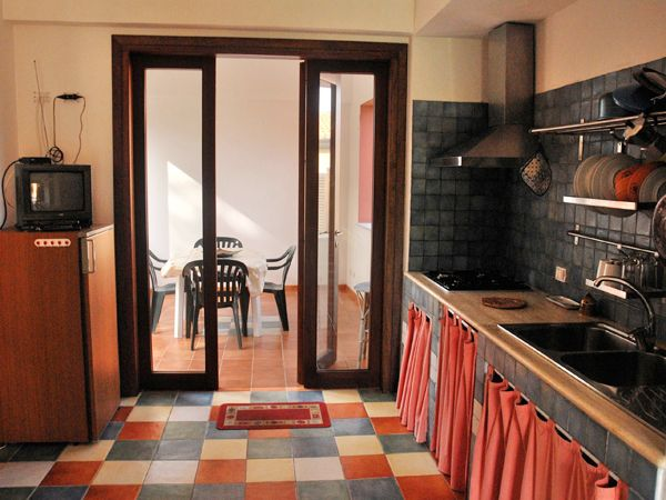 Apartment Pontesecco 1. In the country, beautiful landscape, 2 double rooms, town centre 10-15 min on foot. Castelbuono, Sicily. http://homemadesicily.com/en/where-to-sleep/holiday-apartment-pontesecco-1/