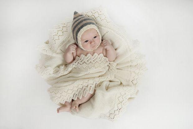 Strik en fin vintage hue til baby