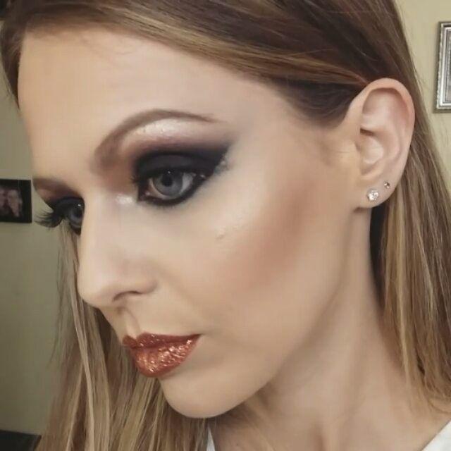 """16 kedvelés, 3 hozzászólás – Nagy Flóra (@makeupartistflora) Instagram-hozzászólása: """"#makeup #mua #mywork #glitter #glitterlove #arabian #arabianstyle #highlight @maccosmetics…"""""""
