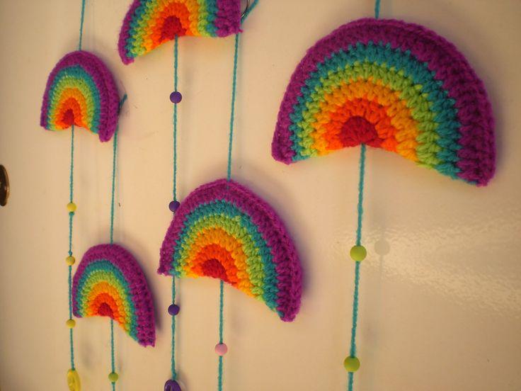 Movil Arco Iris - Crochet, USD50 en http://ofeliafeliz.com ...