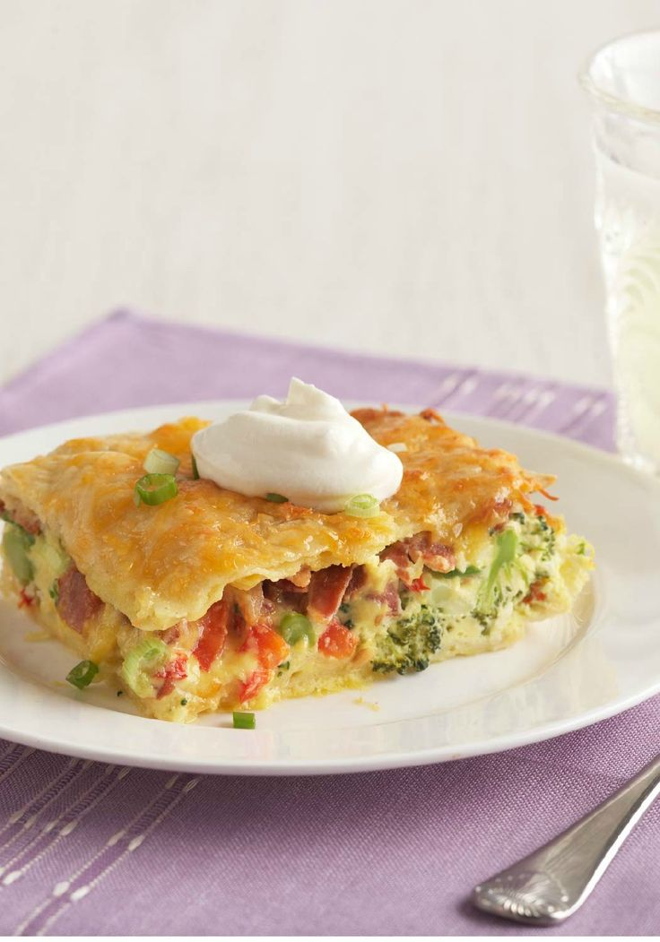 Bacon, Egg & Broccoli Bake – What's not to like here? Bacon, egg, and broccoli, all in one easy, cheesy, one-dish bake!
