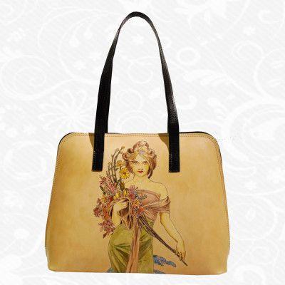 Originálna ručne maľovaná kožená kabelka. Existuje len jeden kus. Každý jeden kus ručne maľovaných výrobkov je umelecké dielo. Kabelka je neopakovateľný originál s nádhernou maľbou.  Motív: Alfons Mucha – Spring