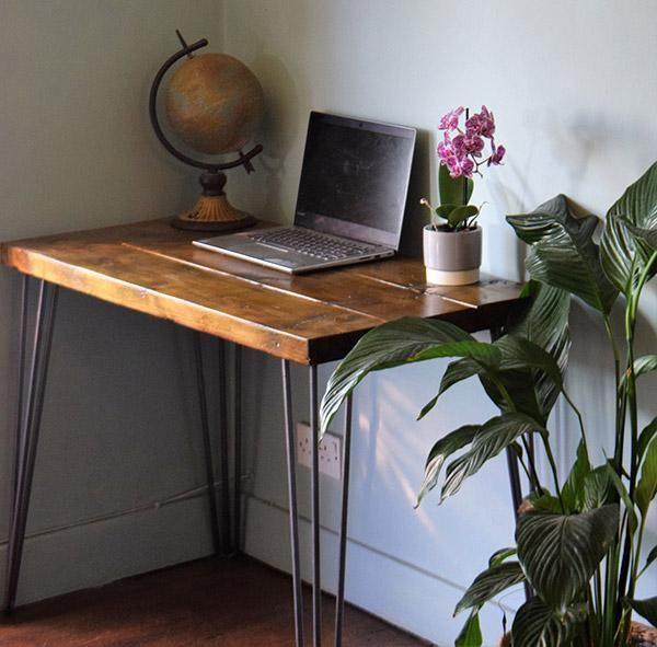 Reclaimed Wood Hairpin Leg Small Desk If You Like Vintage Industrial Vibes This Desk Is A Gre In 2020 Space Saving Desk Reclaimed Wood Desk Mid Century Modern Desk