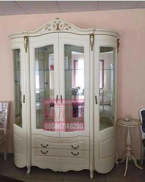 Jual Bufet Jati TPK Great A, Bufet Rak dengan harga Rp 8.000.000 dari toko online Singa Jati Furniture, Kab. Jepara. Jual beli online aman dan nyaman hanya di Tokopedia.
