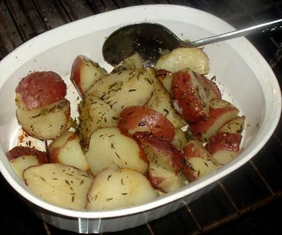 Rosemary Potatoes - Microwave from Food.com:   Nummy, Nummy!! Good with steak or anything else. from Cooking Light.