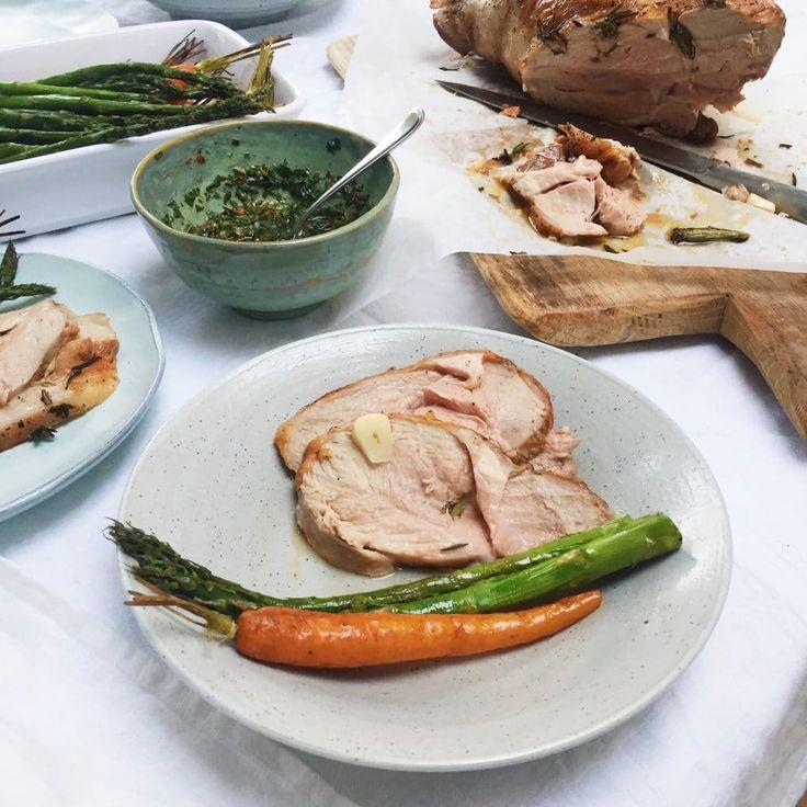 Alles over lamsbout in de oven. Lamsvlees kopen, bereiden, kerntemperatuur, stoven en heerlijk & makkelijk lamsbout recept met groente. Eten Pasen idee?