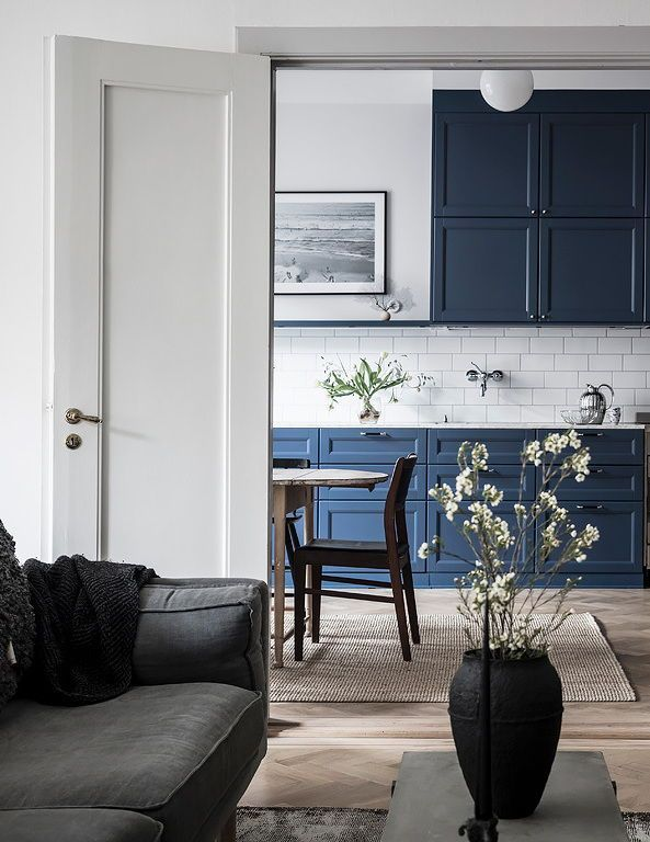 Cozy home with a blue kitchen Home Design Pinterest Home, Home