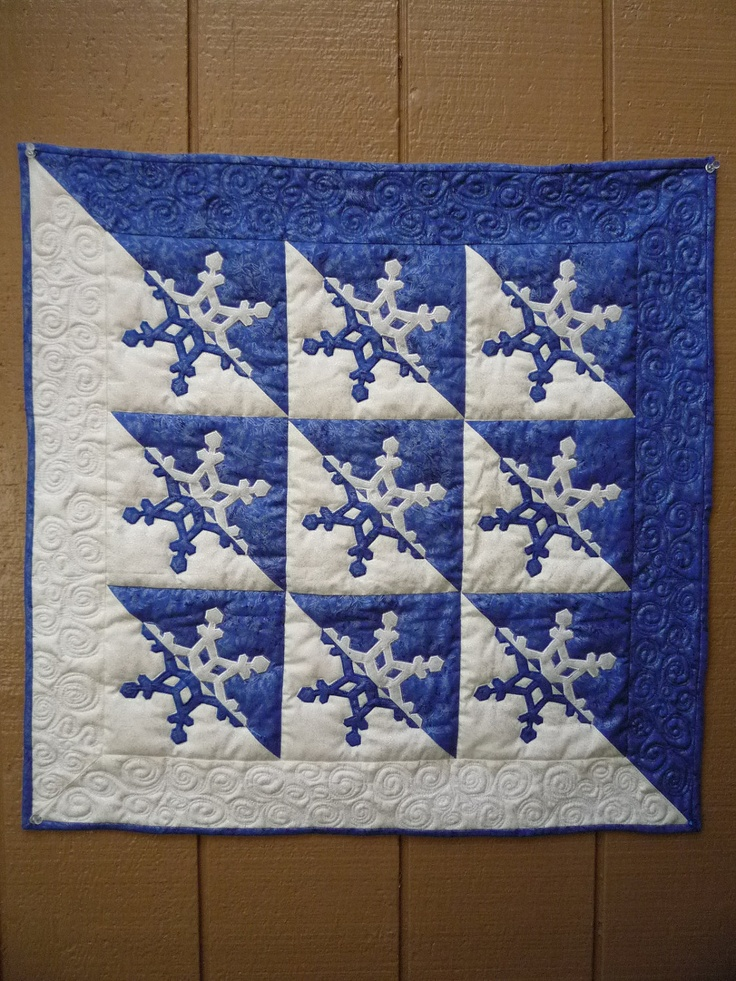 80 Best Images About Christmas Quilts On Pinterest