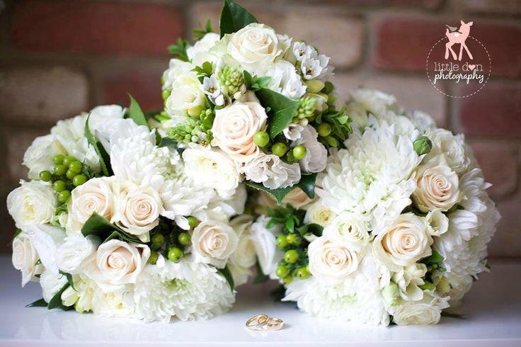 Gorgeous Mornington Peninsula Weddings  Flowers by Ren  Situated in Dromana  www.flowersbyren.com.au