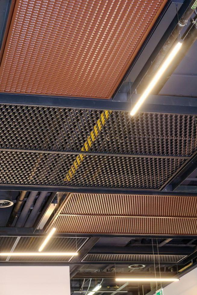 Decken Projekt Galerie Armstrong Deckenlosungen Kommerzielle In 2020 Deckenarchitektur Decke Zimmerdecken