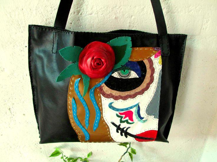 bolso de cuero, hecho a mano, con aplique en figura de katrina