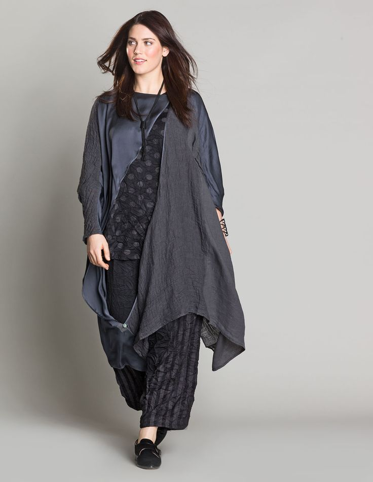 La Stampa Long line satin-blend jacket in Anthracite: