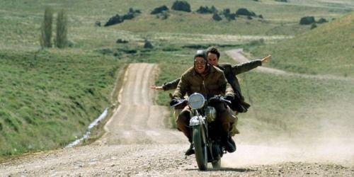 (SDRSP) Diarios de Motocicleta (The Motorcycle Diaries) 2004 (dir. Walter Salles) Rated 15