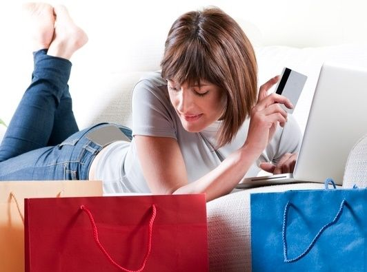 Az+eBay+a+világ+egyik+legnagyobb+online+piactere.+Amit+itt+nem+lehet+megvásárolni,+az+nem+is+létezik.+A+teljesen+hasznavehetetlen+kacatoktól+az+igazi+jó+dolgokon+keresztül,+gyűjtői+relikviákig+itt+minden+kapható.    Az+eBay+egy+olyan+virtuális+piactér,+amit+még+akkor+is+ismerünk,+ha…